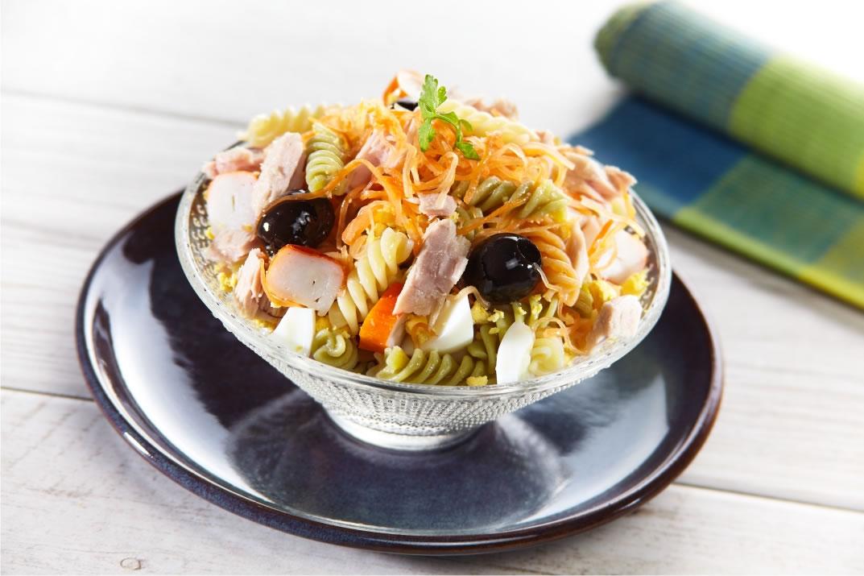 receitas leves de salada com massa